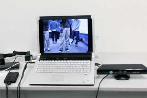 ミクミンPさんの展示は、Kinectを使った拡張現実など。ミクさんが自分の周りをうろちょろしてた。