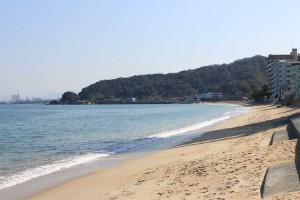 天気が良かったので海まで。寒いのですぐ戻りましたが。