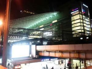 帰りも夜行バス。大阪駅がきれいになってる?