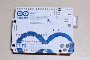 Arduino UNO R3裏面。おしゃれ。