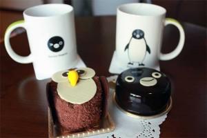 1階のベーカリーでSuicaのペンギンケーキといけふくろうケーキを調達してティータイム。